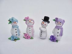 Miniatures by Fizzy: Miniature snowmen for scale dollhouse Polymer Clay Miniatures, Fimo Clay, Polymer Clay Projects, Polymer Clay Art, Clay Crafts, Polymer Clay Christmas, Miniature Christmas, Christmas Minis, Christmas Crafts