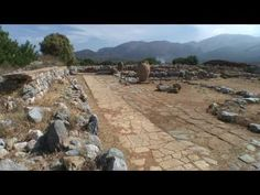 Malia Crete - The Minoan palace of Malia - Visit Crete in Greece where our western culture was founded. Meaningful holyday, The Minoan palace of Malia Build . Greek History, Ap World History, Ancient History, Cheap Days Out, Minoan Art, Bronze Age Civilization, Roman Era, Mycenaean, Crete Island