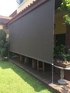 Large roller shutter Whilst age-old throughout principle, this pergola continues to be experiencing a current Patio Diy, Diy Pergola, Backyard Patio, Backyard Landscaping, Outdoor Patio Shades, Outdoor Blinds, Outdoor Decor, Large Roller Blinds, Outdoor Spaces