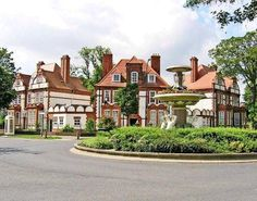 Hull George Gilbert Scott Houses, The Avenues