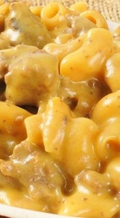 Cheesy Beef And Macaroni Recipe Macaroni Recipes, Beef Macaroni, Beef Recipes, Cooking Recipes, Good Food, Yummy Food, Tasty, Great Recipes, Gourmet
