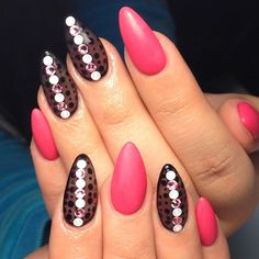 Don't want to do it yourself? Book your next manicure at www.lookcooker.co today!