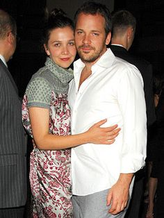 Maggie Gyllenhaal & Peter Sarsgaard kissing compilation @ www.wikilove.com Maggie Gyllenhaal, Celebrity Couples, Kissing, Celebrities, Coat, Photography, Fashion, Moda, Celebs