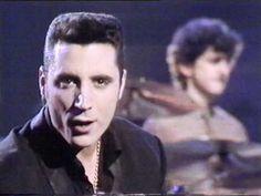 """Loquillo y Trogloditas El Rompeolas. """"Morir en primavera""""1988. Una de las ultimas apariciones en un programa de televisión de Loquillo y Sabino juntos. Corrían los últimos días del año 1988 y los troglos eran la pieza más cara y rentable del panorama musical español... llegaron los primeros días del año 89 y se desato la sobredosis de locura. Conciertos(180 galas), carretera, alcohol, drogas, asfalto, y mucho rock and roll... Acabo con el cerebro de todos y cada uno de ellos en el barro..."""
