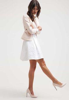 Robes de soirée NAF NAF Robe de soirée - ecru blanc cassé: 80,00 € chez Zalando (au 03/06/16). Livraison et retours gratuits et service client gratuit au 0800 740 357.