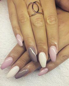 #nails #nailsaddict #nailssimple #mamzelle #belgium #nude #smoky #color #white #pink #bymamzelle #colorbymamzelle #artiste #stilettocassé #ongle #styliste #stylisteongulaire #beautycenter #beauty #girl #pronails #professional #mamzellenails Contact 0473374718 Snapchat mel0906