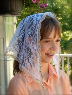 Small White Lace Mantilla POZwo2 by ZeliesVeils on Etsy