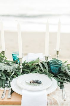 Shell and Seagrass Place Setting |  Luna de Mare Photography | Glam Beach Bride