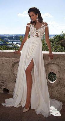 Vestido de Noiva Manga Curta e Apliques para Casamento na Praia