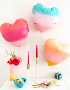 DIY Gradient Heart Balloons – A Kailo Chic Life - Granola Selber Machen Heart Balloons, Helium Balloons, Paint Balloons, Craft Gifts, Diy Gifts, Balloon Painting, Creative Gift Wrapping, Balloon Centerpieces, Diy Home