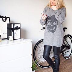 💀💀 #home #ootd #sweater #skull #leatherpants #gray #bike #putiikkirannalla #PURA #comingsoon
