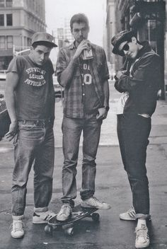 Love The Beastie Boys, best jewish boys EVER, to rock the stage. <3