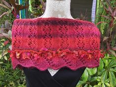 Ravelry: Red Climbing Roses Cowl pattern by Top Tier Knits