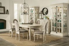 Huntleigh Oval Dining Room Set | Riverside | Home Gallery Stores