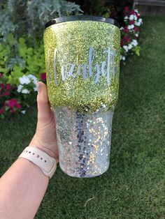 Personalized Glitter Tumbler Green and Silver Tumbler Personalize Gift, Monogram Tumbler, Personalize Tumbler Diy Tumblers, Glitter Tumblers, 24 Oz Water Bottle, Thermal Cup, Ozark Trail, Monogram Initials, Art Therapy, Epoxy, Christmas Diy