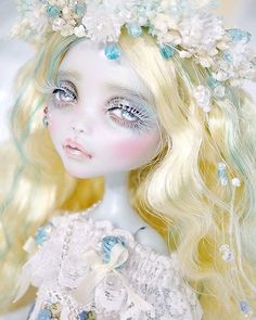 Absolutely heavenly Monster High Lagoona Blue custom doll repaint by seara_doll on Instagram. Beautiful use of pearlescents, shimmering beauty glows! ♥ #탄생석 #아쿠아마린 #3월탄생석 #세라 #몬하돌 #몬스터하이돌 #인형 #돌스타그램 #핸드메이드 #인형옷 #육일돌의상 #육일돌 #seara #monsterhigh #doll #toy #kidult #dollstagram #handmade #custom #birthstone #aquamarine  #dollclothes #masquerade #dolldress #sale #delivery