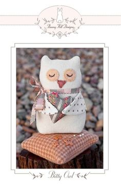 Bitty Owl pincushion | Bunny Hill Designs | kwibbels