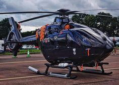 German EC-135 ? Helicopter Pilots, Attack Helicopter, Military Helicopter, Military Aircraft, Helicopter Private, Luxury Helicopter, Eurocopter Ec135, Airbus Helicopters, Jet Engine