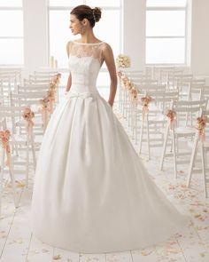 Wedding Gown Guide: Full with Split Front Best Wedding Dresses, Bridal Dresses, Wedding Gowns, Justin Alexander, Simple Elegant Wedding Dress, Pronovias, Bridal And Formal, Princess Style, Jenny Packham