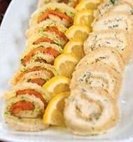 Сэндвичи-рулеты с семгой, сыром и орехами