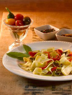 makarna Pasta Salad, Ethnic Recipes, Food, Crab Pasta Salad, Eten, Meals, Macaroni Salad, Diet