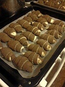 Arabic Food, Sweet Desserts, Cookies, Cake, Party, Fit, Basket, Arabian Food, Crack Crackers