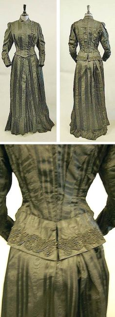 Green & black tapelace suit, ca. 1900. Kerry Taylor Auctions/Invaluable