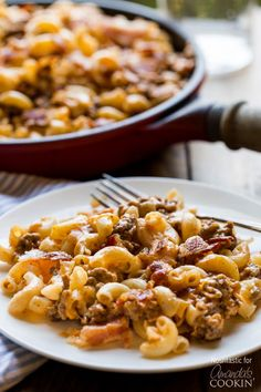 This delicious Bacon Cheeseburger Pasta combines elbow macaroni, ground beef, and bacon along with cheddar and mozzarella cheeses for a hearty weeknight family dinner!