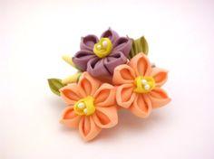 Coral Purple Daffodil flower hair clip Tsumami by JagataraArt #kanzashi inspired #giftideas