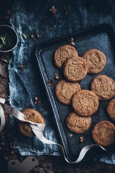 swedish butterscotch gingerbread cookies with maple syrup