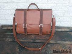 Handgemaakte schoudertas, ook als rugtas te dragen | Merel Blackbird