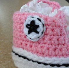 Ravelry: Crochet Baby Converse by Suzanne Resaul