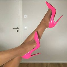 Regardez cette photo Instagram de @high_heeled_women • 778 J'aime