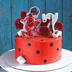 Ещё одна леди Баг от @mariyalipp спасает мой тортик #ryki_mastera #veraessen #entrenafesta #desserts #dessert #food #foods #foodporn #instafood #sweet #sweets #mmm #foodgasm #delicious #foodforfoodies #sweettooth #chocolate #facsantos #cake #cakeideas #cakes #encontrandoideias #cakebakeoffng #cakedesign #cakestagram #cakeporm #торт #тортназаказбалашиха #тортназаказмосква #тортбезмастики