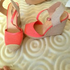 5 1/2 inch heels Coral and tan heels ! great condition Lucky Brand Shoes Heels
