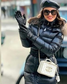 Down Puffer Coat, Down Parka, Fur Fashion, Winter Fashion, Womens Fashion, Nylons, Moncler Jacket Women, Leather Jacket Outfits, Jackets For Women