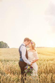 Barfuß Hippie Hochzeit in der alten Scheune bei München ⋆ Hochzeitsfotograf Fotografin Fotografie Hochzeiten Kinder Familienshooting