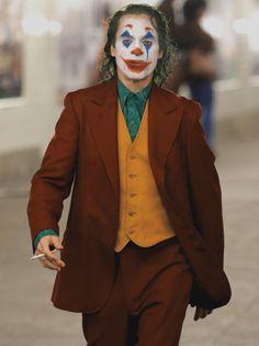 Joker (Joaquin Phoenix) in Joker Joker Heath, Joker Dc, Joker And Harley Quinn, The Joker, Joaquin Phoenix, Joker Film, Joker Comic, Comic Art, Joker Iphone Wallpaper