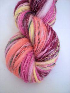 Peppermint & Plaid: Love this soft merino hand spun yarn!