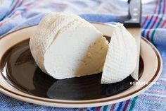 Queso fresco casero sin cuajo – Queso quark casero Mexican Food Recipes, Dessert Recipes, Desserts, Cooking Time, Cooking Recipes, Cheese Maker, Easy Homemade Recipes, Cream Cake, Cheese Recipes