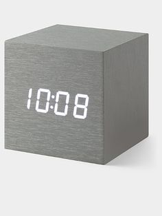 Desk Clock Alume Cube - Just snap your fingers or tap the top of this cube and the LED display will illuminates to reveal the time, date and temperature. | Horloge Cube
