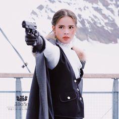 เท่ห์โฮก ขอบคุณ @kanapotaunsornofficial เสื้อคลุมเท่ห์ๆ #ลิขิตรักthecrownprincess #styledbyverasalon Lee Jung Suk, Cute Girl Face, Thai Drama, Kpop, The Crown, Character Inspiration, Cute Girls, Asian, Actresses