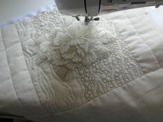 Quilting Stencils, Longarm Quilting, Free Motion Quilting, Machine Quilting Patterns, Quilt Patterns, Quilting Ideas, Machine Embroidery, Quilt Stitching, Applique Quilts