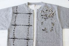 Make a bomber jacket from a sweatshirt www.apairandasparediy.com