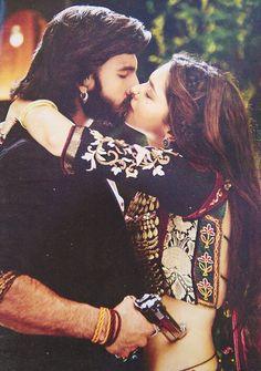 """ Bandook ki zor pe rishtey nahi bante""  #ErosNow #Bollywood #Ramleela #Deepika Padukone #RanveerSingh #1yearofRamleela #Love #weddingseason"