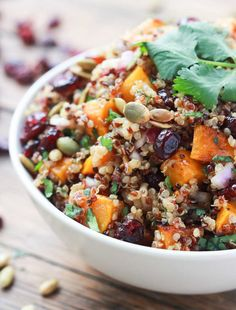 Roasted butternut squash and cranberry quinoa salad , sweet cranberries, salty toasted pumpkin seeds mixed with a sweet Balsamic Vinaigrette. Serve it chilled as a side, lunch or dinner. Healthy Salads, Healthy Eating, Cranberry Quinoa Salad, Whole Food Recipes, Cooking Recipes, Cooking Food, Easy Cooking, Cooking Ideas, Food Ideas