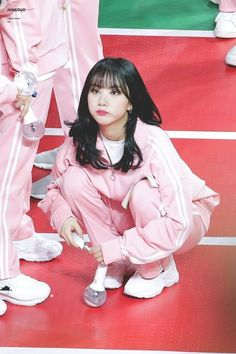 Nayeon Bias Wrecker Kpop Girl Groups, Korean Girl Groups, Kpop Girls, Extended Play, Jung Eun Bi, G Friend, Bias Kpop, Cloud Dancer, Cute Pink