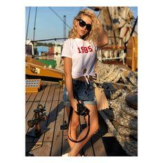 ⚓️ #harbourisland #harbournights #bermuda #sailor #fashion #ootd #potd #outfitoftheday #style #bermudatriangle #bermudacruise #americascup #destinationsocial #boracay #boracayisland #turquoise #palmtrees #beach #whitesand #travel #traveler #travelerslife #worldtravelerslife #beach #pool #palmtrees #drink #turquoise #island #islandlife # islandstyle #bermuda #summer #summer17 #honeymoon #travel #traveler #palmtrees #beautifuldestination #vacation