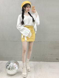 Pin by falak khan on trendy outfits in 2019 корейская мода, Korean Girl Fashion, Korean Fashion Trends, Ulzzang Fashion, Korea Fashion, Harajuku Fashion, Asian Fashion, Kpop Fashion Outfits, Korean Outfits, Girly Outfits