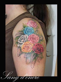 roses crées et réalisées par sang d'encre tatouage